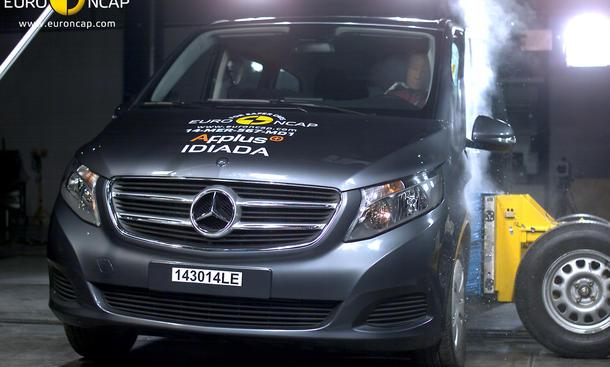 Euro NCAP Crashtest Mercedes V-Klasse Sicherheit Van Familienauto