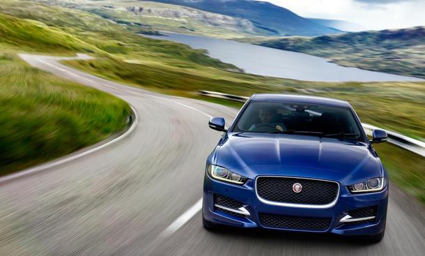 Jaguar XE Pariser Autosalon 2014 Ausstattung Motoren Preis Mittelklasse-Limousine