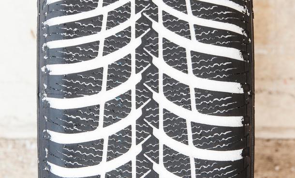 winterreifen 2014 elf pneus im test bild 12. Black Bedroom Furniture Sets. Home Design Ideas
