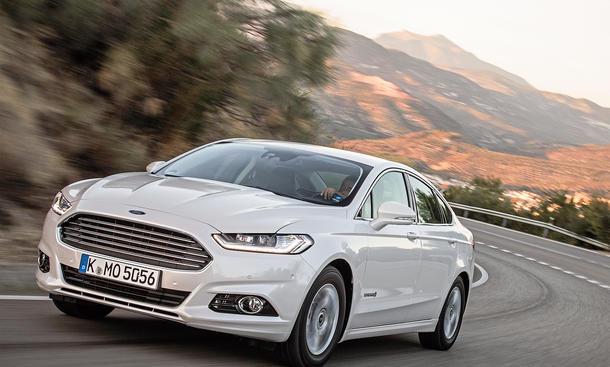 Ford Mondeo Hybrid Fahrbericht Bilder technische Daten