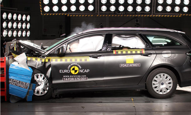 Euro NCAP Crashtest 2014 VW Passat B8 Sicherheit Ford Mondeo