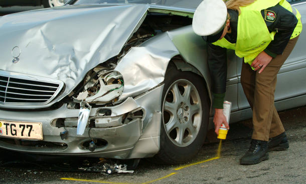 Fahrerflucht Unfallflucht Statistik Deutschland Auto Club Europa ACE Unfall