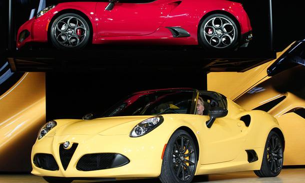 Alfa Romeo 4C Spider Detroit Auto Show 2015 Live-Bilder Neuheiten Roadster