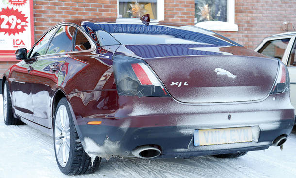 2015 - [Jaguar] XJ Restylée - Page 2 Jaguar-XJ-L-2015-Facelift-Erlkoenig-bilder-0006_0