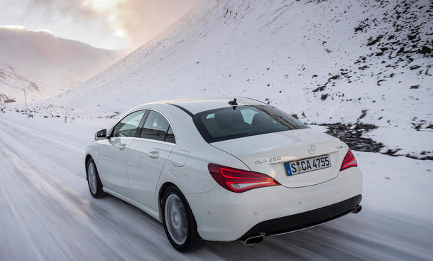 Mittelklasse Pkw-Neuzulassungen Mercedes CLA Bestseller 2014 KBA-Zahlen