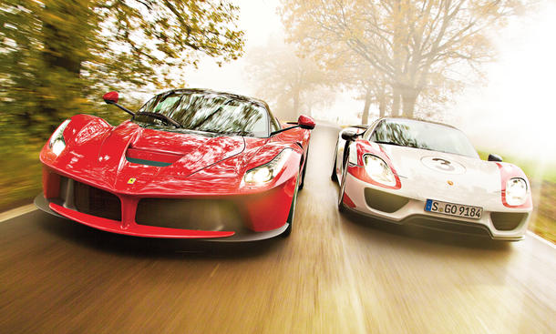 vergleich der hybrid supersportwagen ferrari laferrari vs porsche 918 spyder bild 2. Black Bedroom Furniture Sets. Home Design Ideas