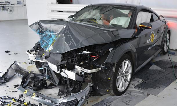 Crashtest Audi TT 2015 4 Sterne Euro NCAP-Test Sicherheit