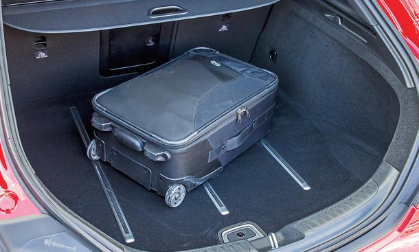 mercedes cla shooting brake lifestyle kombi im. Black Bedroom Furniture Sets. Home Design Ideas