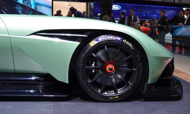 aston martin vulcan rennwagen 2015 autosalon genf neuheiten motorsport