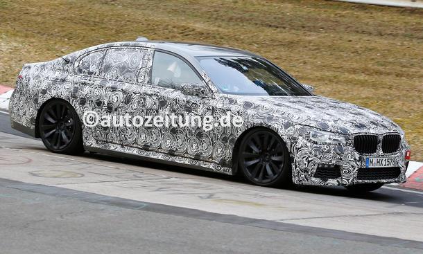 BMW 7er Erlkönig Crash Unfall Polizeibus