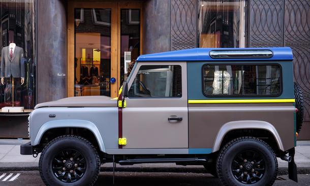 Land Rover Defender Paul Smith Sondermodell Allradantrieb Geländewagen