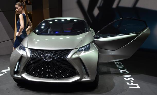 Lexus LF-SA 2015 Genfer Autosalon Studie Live Bilder Kleinstwagen