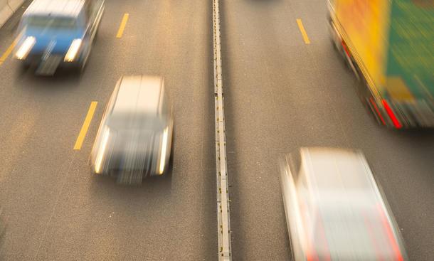 autobahn mindestgeschwindigkeit wie langsam ist erlaubt. Black Bedroom Furniture Sets. Home Design Ideas