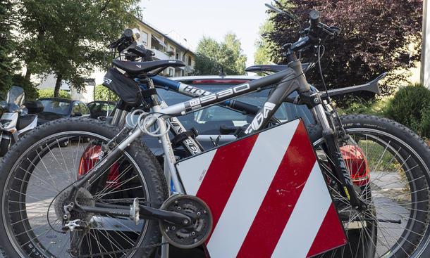 fahrradträger auto anhängerkupplung sicherheit ratgeber