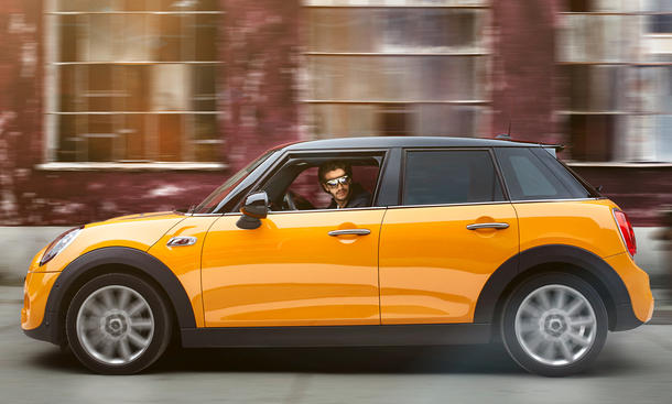 Mini Augmented Vision 2015 Shanghai Motor Show Hightech-Brille Datenbrille