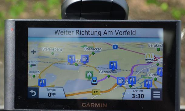 Garmin nüviCam Assistenzsysteme Navi Test Nachrüsten Spurverlassenswarnung Kollisionswarnung