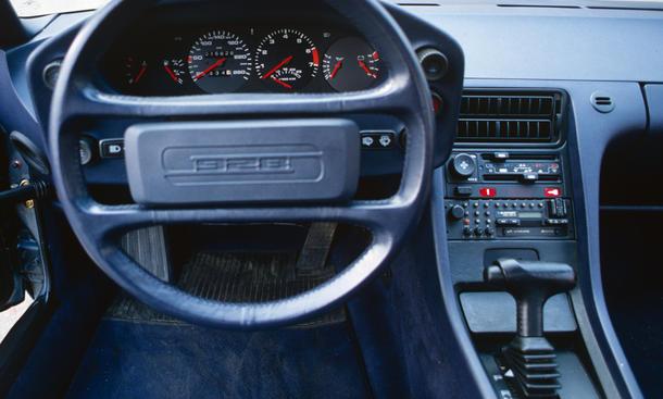 Porsche 928 S Vergleich Sportwagen Cockpit