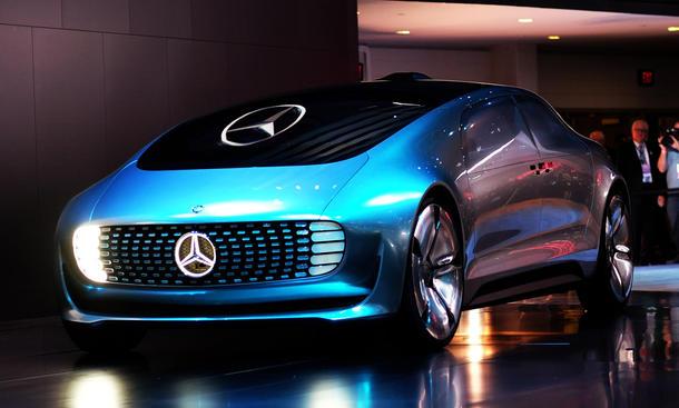 Daimler vernetztes Fahren Forschungsfahrzeug F015 Auto der Zukunft Technik Entwicklung