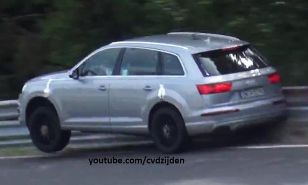 Audi SQ7 2016 Crash-Video Testfahrt Nürburgring Karussell