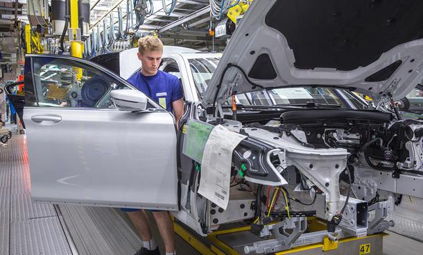 BMW 7er 2015 Produktion Carbon-Hybrid-Bauweise Leichtbau Dingolfing