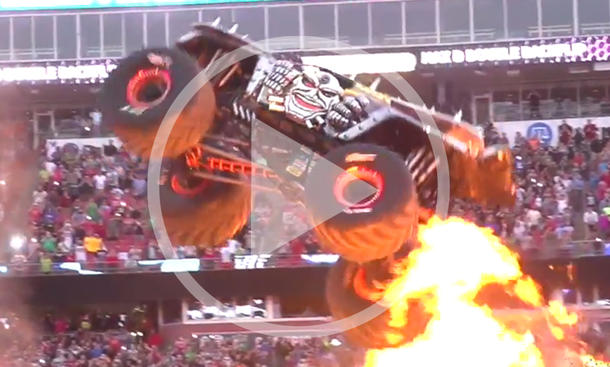 Monster Truck kann fliegen: Video