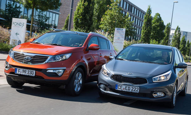 Bilder Kia Vergleich SUV Limousine Kia cee'd Sportage 1.6 GDI