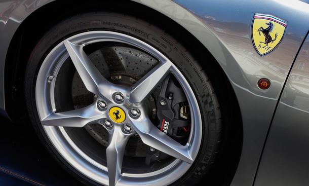 ferrari rückruf takata airbags zulieferer sportwagen leichtmetallfelgen