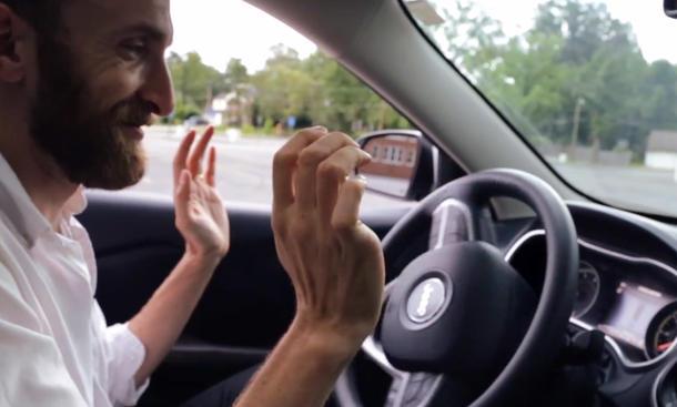 FCA Uconnect Hacker übernehmen Kontrolle über Auto Sicherheitslücke Fiat Chrysler Jeep