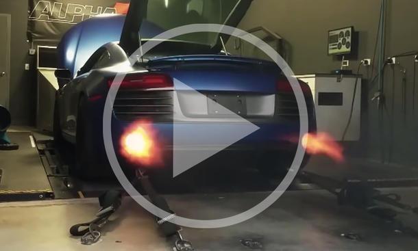 Video: Getunter Audi R8 V10 spuckt Feuer