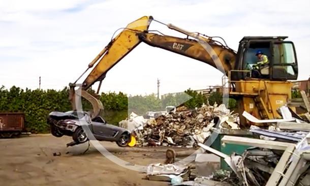 Video: Mercedes SLS AMG wird verschrottet