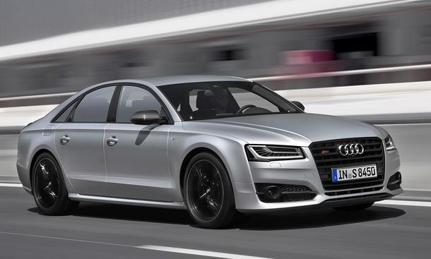 Top-12 der stärksten Luxuslimousinen: Audi S8 plus