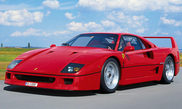 ferrari f40 rekord bei coys auktion. Black Bedroom Furniture Sets. Home Design Ideas