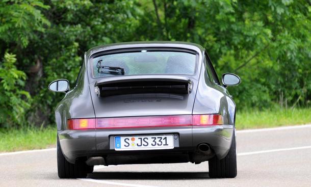 porsche 911 carrera 2 964 vergleichstest classic cars heck