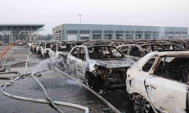 Tianjin Explosion China Autobauer Import Neuwagen