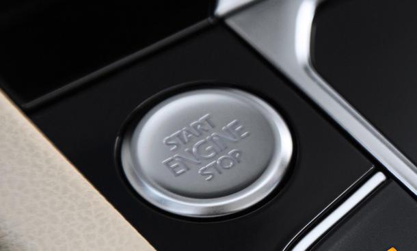 USA Klage Autobauer vor Gericht Motor-Stopp Start-Knopf Sammelklage