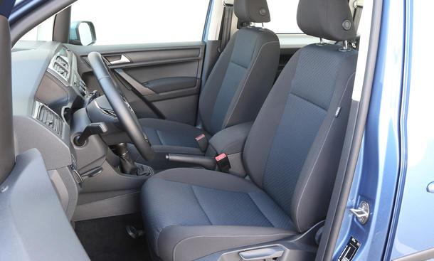 vw caddy 2 0 tdi bluemotion test bild 8. Black Bedroom Furniture Sets. Home Design Ideas