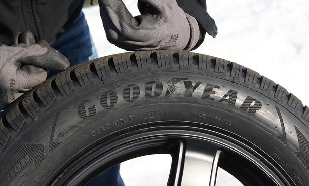 Winterreifen Test 185/65 R 15 Goodyear
