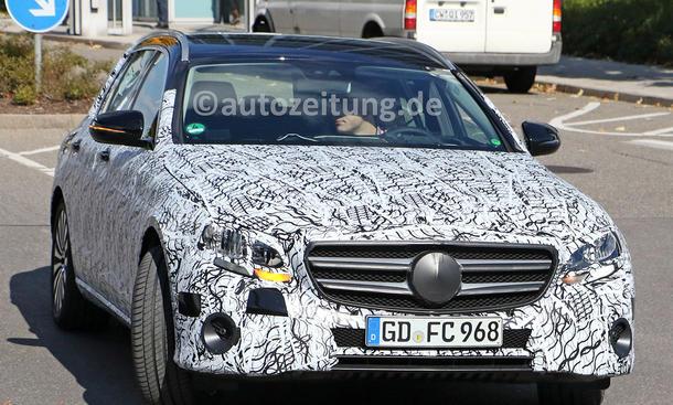 Auto cockpit mercedes  Mercedes E-Klasse (2016): Erste Bilder vom Cockpit | autozeitung.de