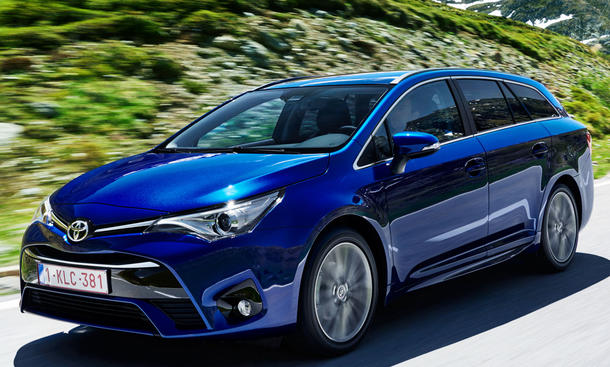 toyota avensis touring sports 2 0 d 4d test. Black Bedroom Furniture Sets. Home Design Ideas