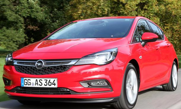 Opel Astra rot