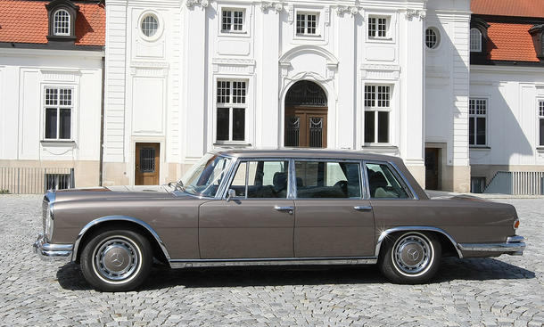Mercedes 600 W 100