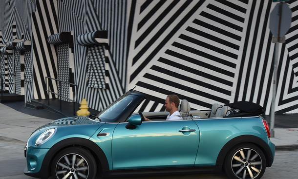 mini cabrio 2016 vorstellung bild 18. Black Bedroom Furniture Sets. Home Design Ideas