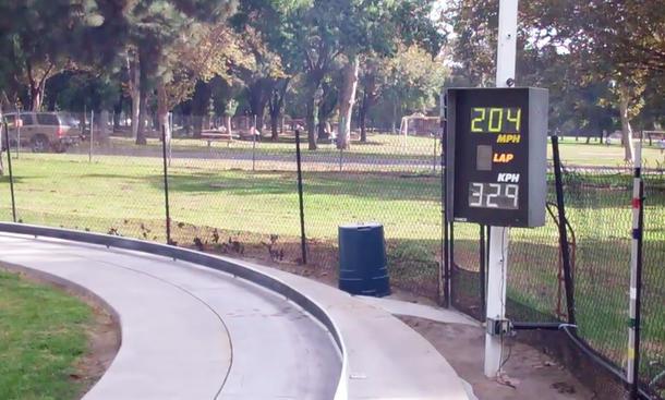tether car streamliner modellauto speed