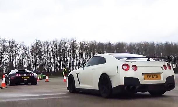 Bugatti Veyron Nissan GT-R Video
