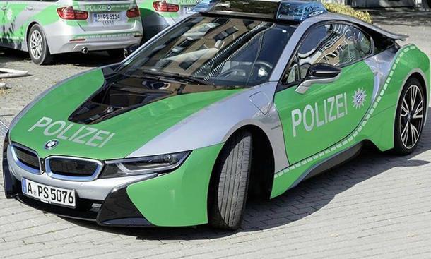 bmw i8 neues polizeiauto in augsburg. Black Bedroom Furniture Sets. Home Design Ideas