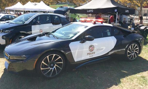 bmw i8 neues polizeiauto in augsburg bild 9. Black Bedroom Furniture Sets. Home Design Ideas