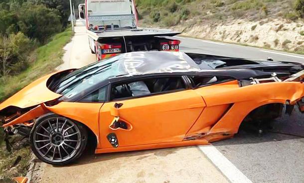 Lamborghini Gallardo LP 560-4 Bicolore auf's Dach gelegt