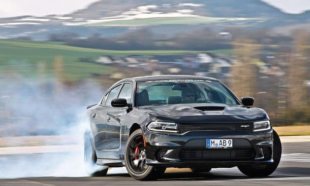 Dodge Charger SRT Hellcat (2016)
