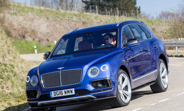 Bentley bentayga porsche cayenne turbo s test bild 4 for Ohrensessel test