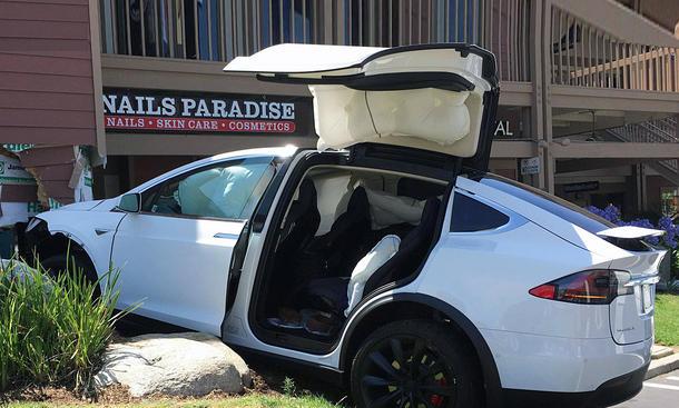 Tesla Model X News Bilder Und Auto Tests Autozeitung De
